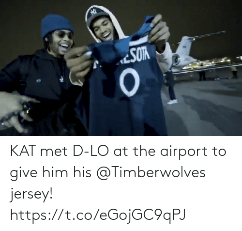 him: KAT met D-LO at the airport to give him his @Timberwolves jersey! https://t.co/eGojGC9qPJ